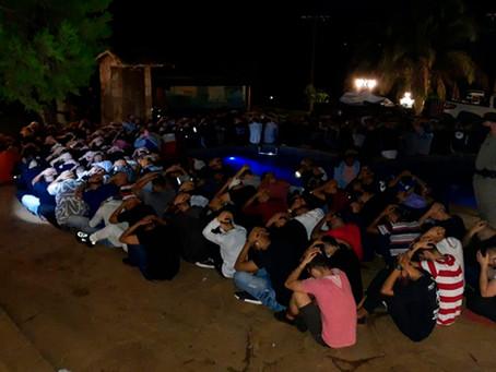 Polícia Militar acaba com festa em Anápolis que aglomerava mais de 800 pessoas