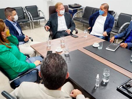 João Campos já fala em 2022 em reunião do Republicanos em Anápolis