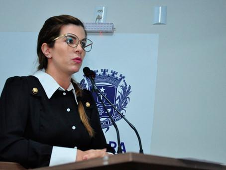 Vereadora vai à Justiça para incluir atividades de petshop em decreto