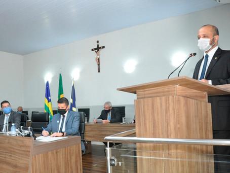 Presença do líder de Bolsonaro gera embate com PT na Câmara Municipal