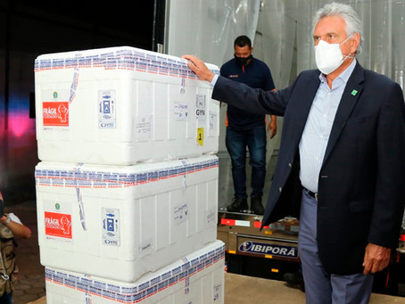 Caiado anuncia que comprará 1 milhão de doses de vacina
