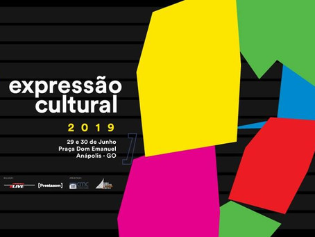 Expressão Cultural reúne música, poesia, dança e artes plásticas na Praça Dom Emanuel