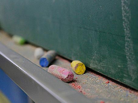 Crise na educação em Nerópolis: professores protestam contra cortes de salários