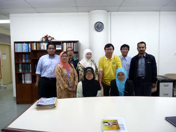 Professor Dr. Nor Hayati Othman and her team of Professors and Researchers at Universiti Sains Malaysia.