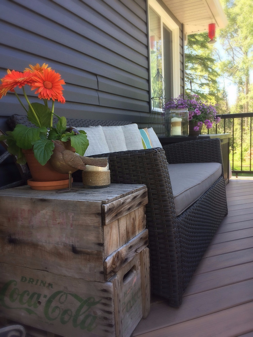 vintage crates used as outdoor side tables