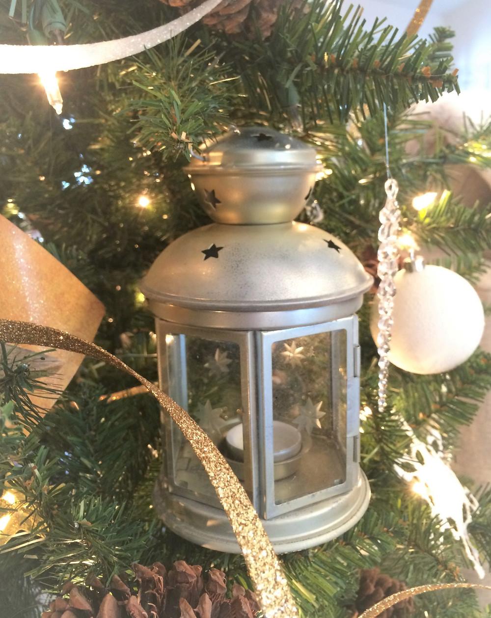 lanterns on a Christmas tree