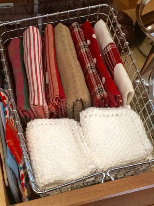 vintage swimming basket with tea towels
