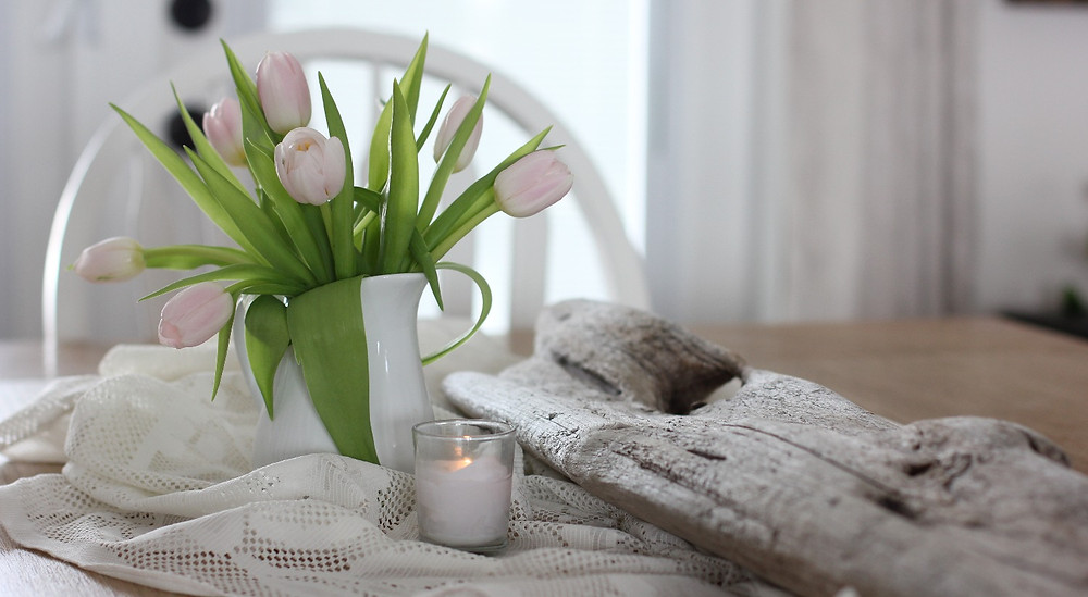 Use tulips to create Hygge atmosphere