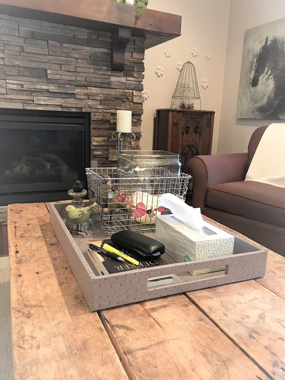 Catch-all coffee table tray