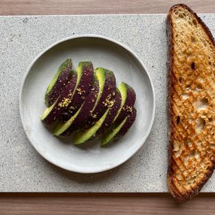 pan y palta - bread & avocado -  s/.15