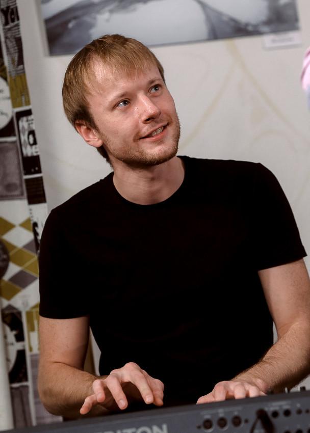 Алексей Кириченко на концерте в НЕКАФЕ, 2014