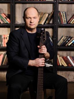 Дмитрий Мухин - бас гитара