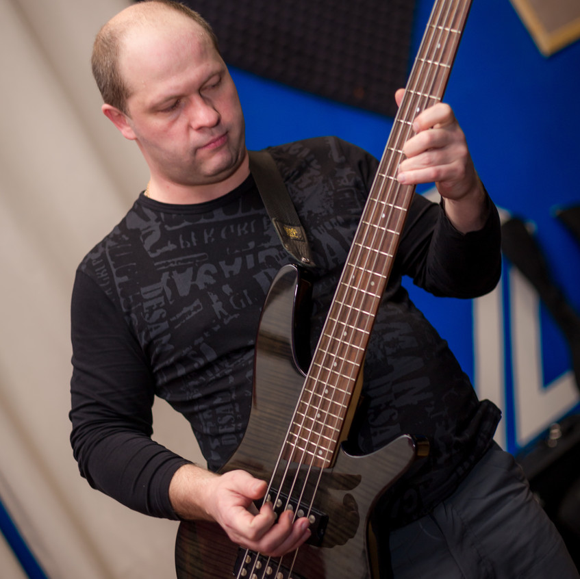 Дмитрий Мухин на студии TREESARE