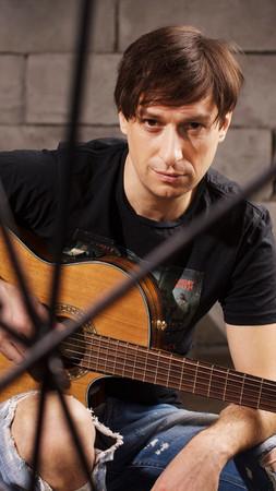 Илья Соколов - вокал, гитара