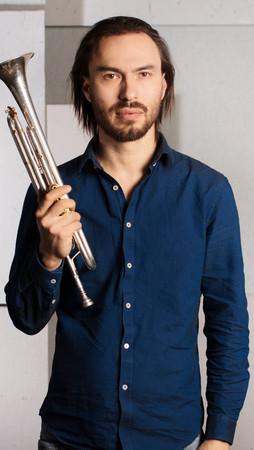 Анатолий Воробьев - труба, гитара