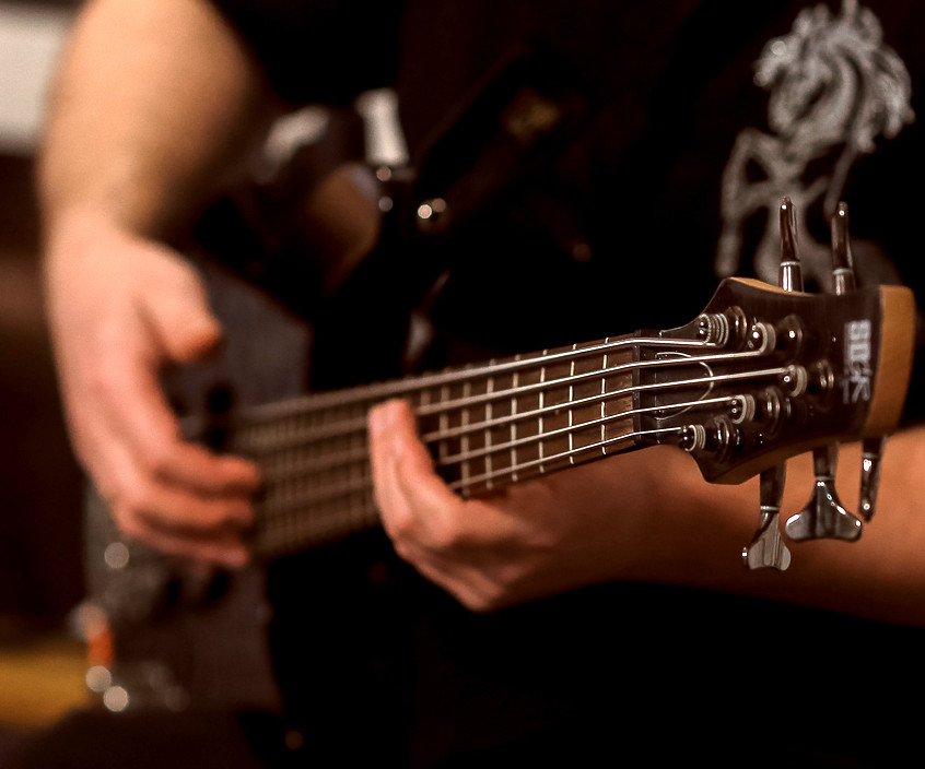 бас-гитара Дмитрия Мухина