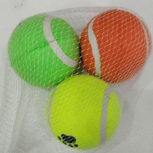 3 bolas de tênis em borracha revestida com feltro