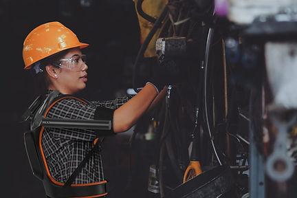 exoesqueleto industrial nacional Exy ExyONE Exy9br ergonomia aplicação