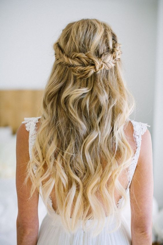 Penteado da Noiva para Casamento na Praia | Semi Preso