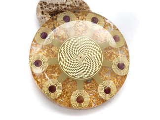 Crystal grid orgone disc with MWO antennae
