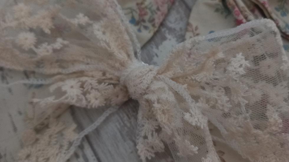 Lace tie bow clip