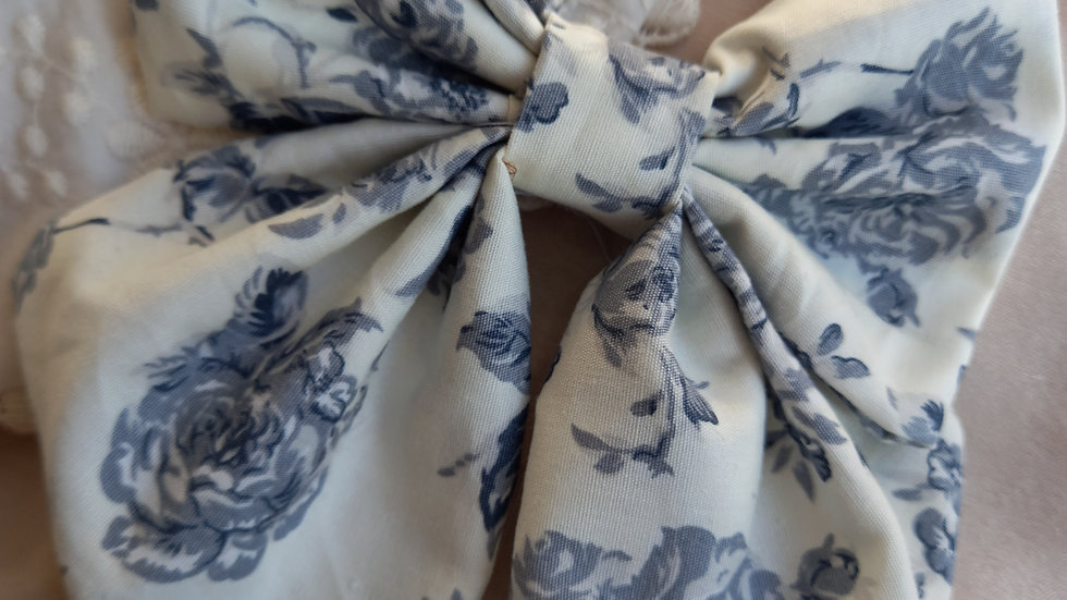 Midi blue floral print sailor bow