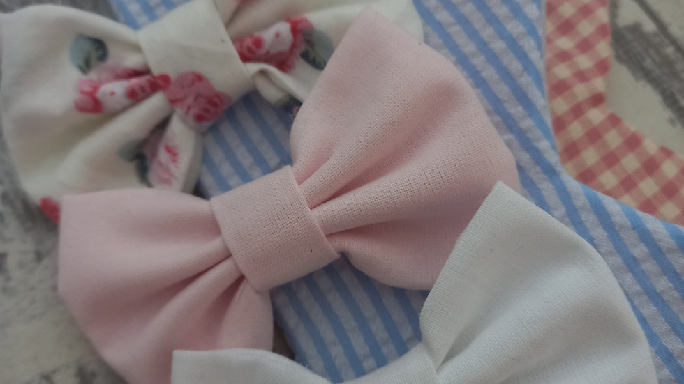 Set of three bow hair clips