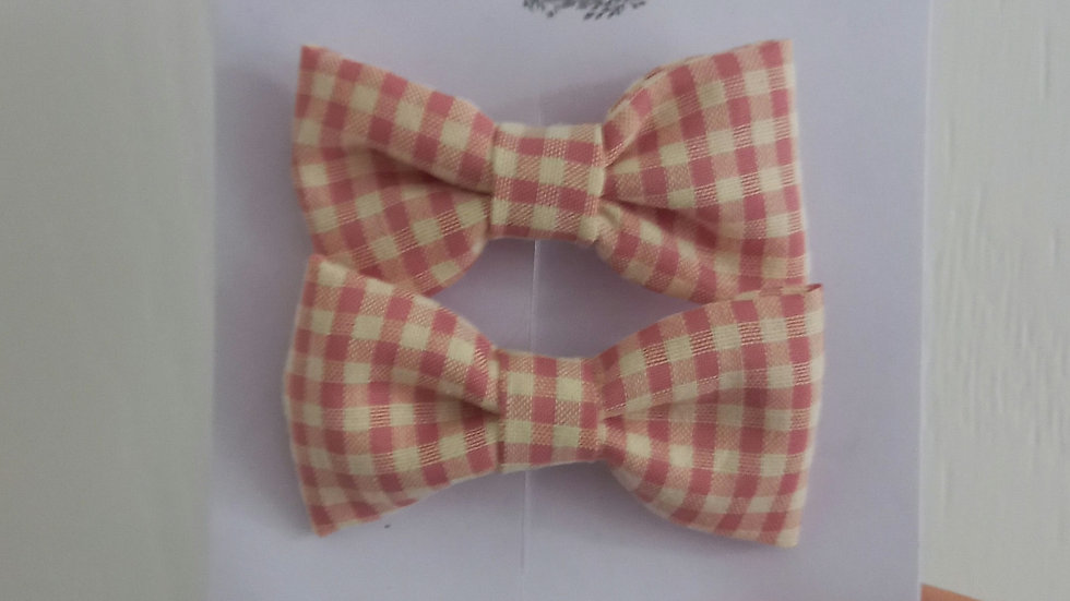 Pink gingham bow clips
