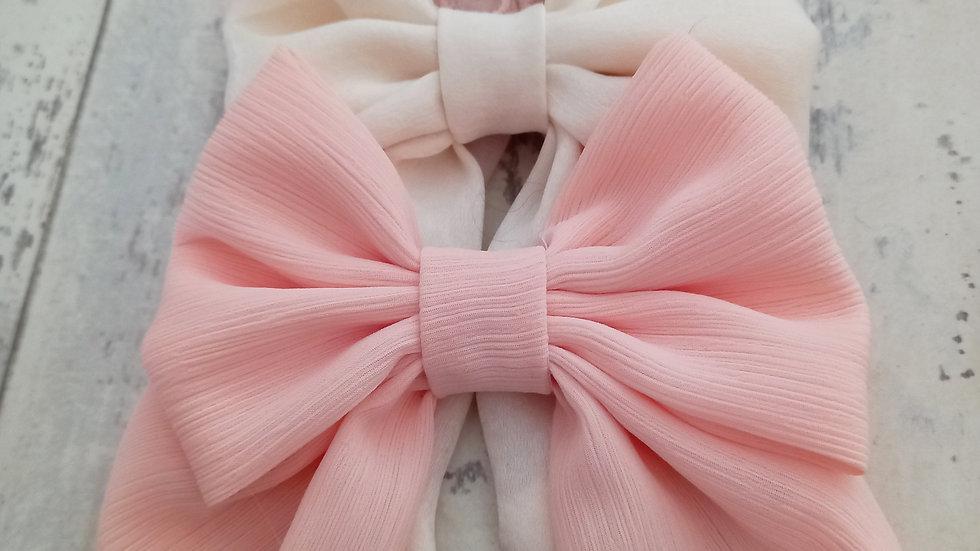 Peach crinkle bow