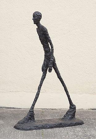 l'homme qui marche .jpg