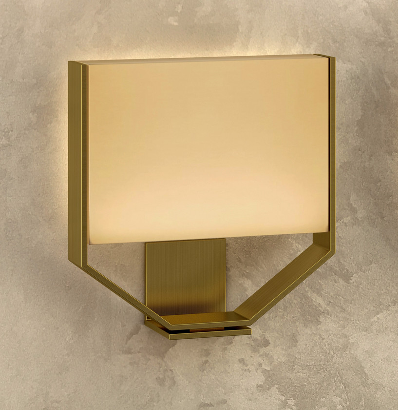 REGENCY WALL LAMP