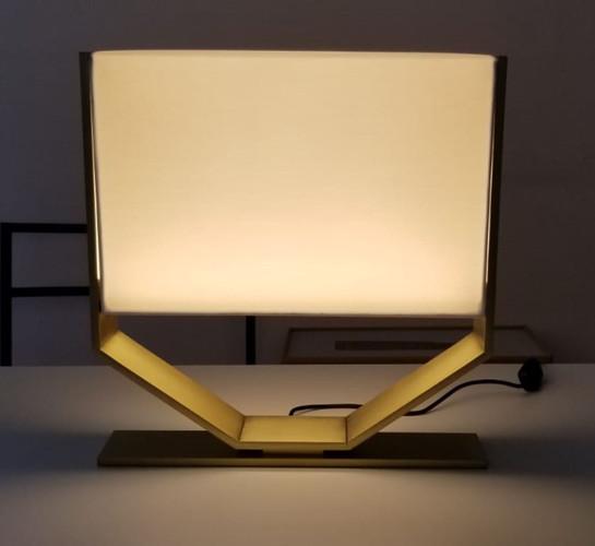 REGENCY TABLE LAMP