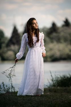 Das Mädchen am See