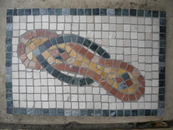 "Wandmosaik ""Römische Sandalen"""