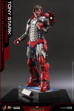 tony-stark-mark-v-suit-up-version_marvel