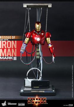 iron-man-mark-iii-construction-version_marvel_gallery_61267bc2d0c03
