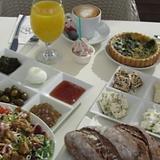 יקב אדיר ארוחות בוקר.png