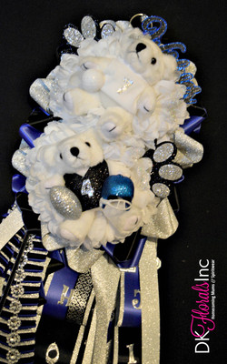 Double Plano West Homecoming Mum