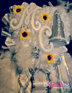 Senior Sunflower Homecoming Mum