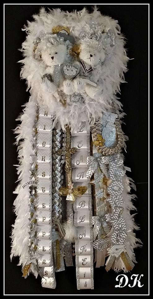 The Empress Homecoming Mum