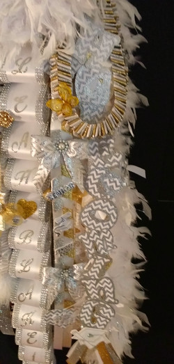 Mega Homecoming Mum Details