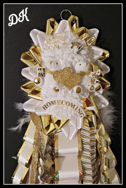 Junior Double Homecoming Mum