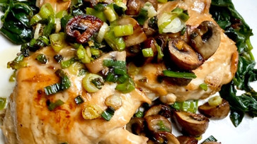 Skillet chicken & mushroom with green scallion sauce