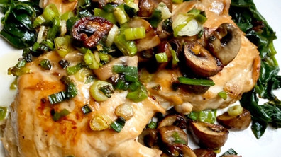 Skillet chicken & mushroom with green scallion sauce