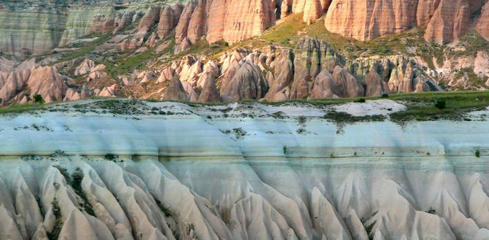 cappadocia-277034_1920.jpg