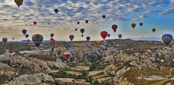 cappadocia-765498_1920.jpg