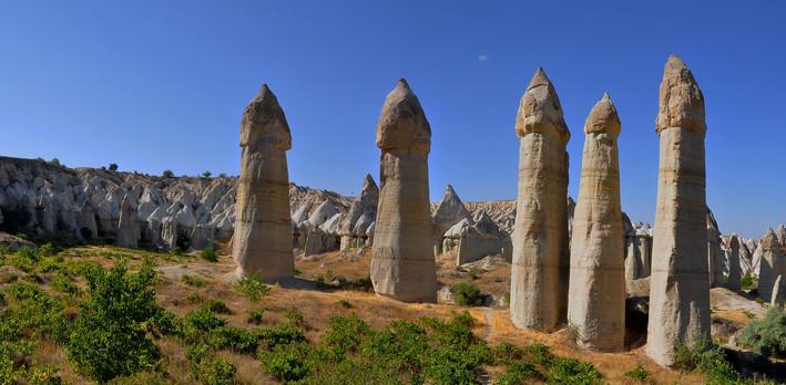 cappadocia-1279724_1920.jpg