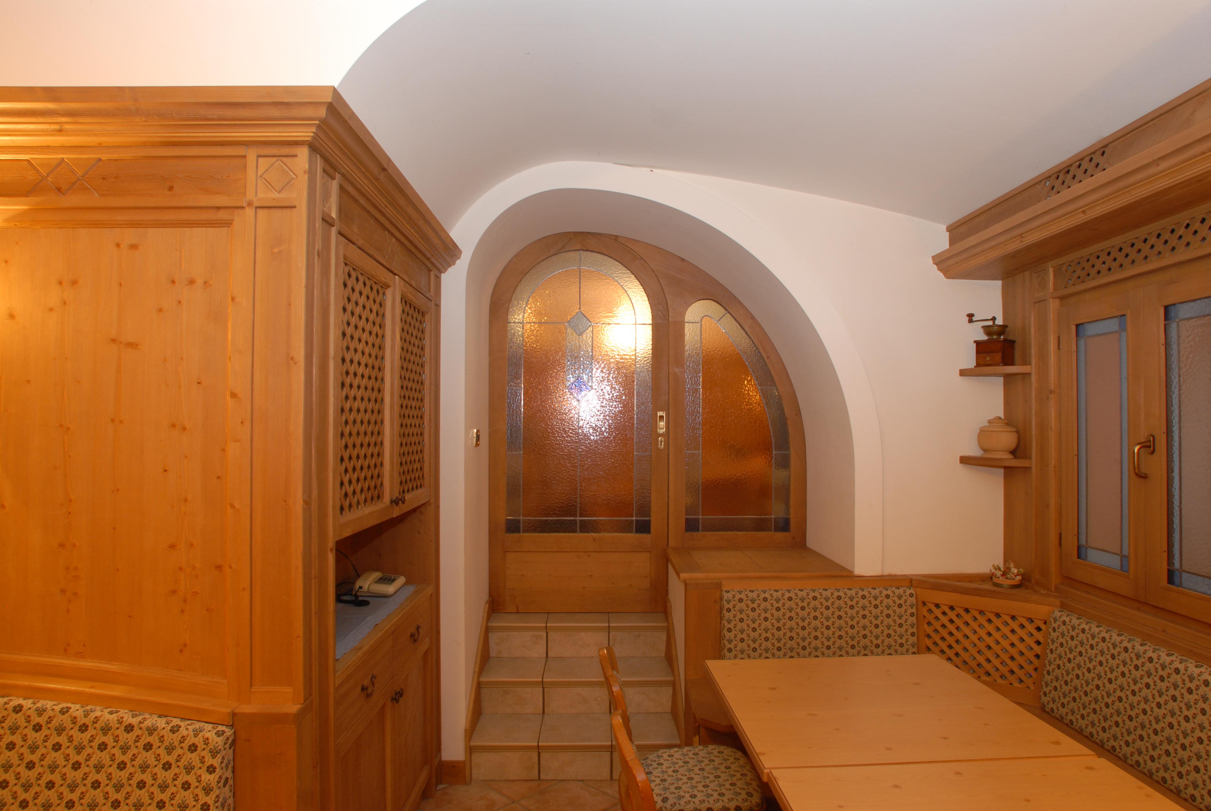 Tavernetta in legno di abete