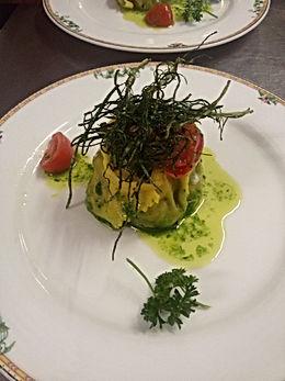 Lasagnetta con farcitura e salsa di erbe