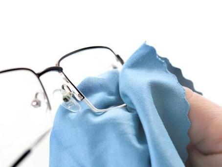 Un nettoyant pour lunettes écologique à faire soi-même